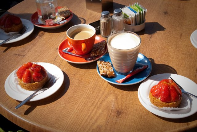Summer_coffee_and_strawberry_by_steppelandstock